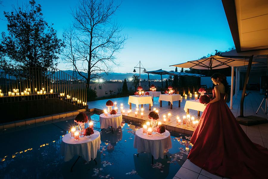 グランプリエールララリアン 披露宴での夜の風景